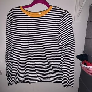 stripe shirt with a yellow collar